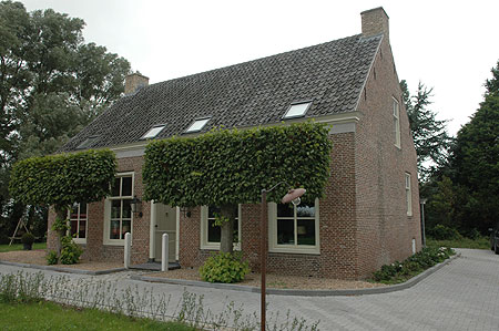 Bed and Breakfast in Vrouwenpolder, Bed and Breakfast at the farm, Vrouwenpolder, the Netherlands, Zeeland,  Veere 5, Domburg 10, Middelburg 10, holland, Neeltje Jans, Veere, Domburg, Middelburg, zee en strand, natuurgebied, outdooractiviteiten, kookcursussen, mennen van paard en koets, fietsverhuur, evenementenbureau, aga-cookers en houtkachels, bed and breakfast, gite rural, pays-bas